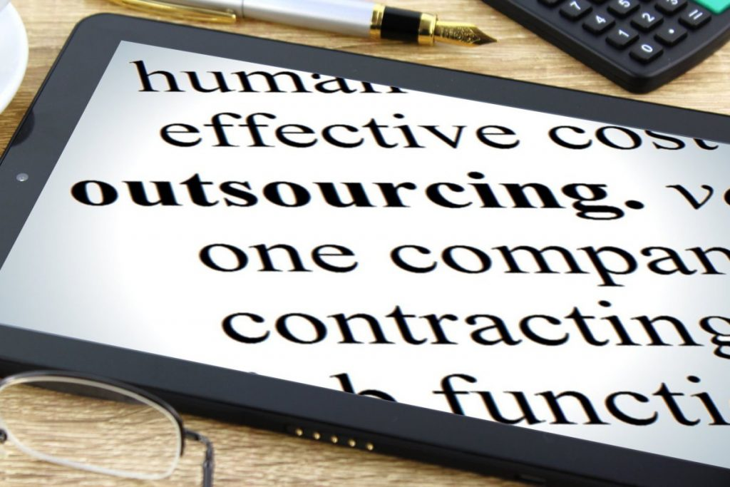 How to Outsource Software Development Projects Successfully